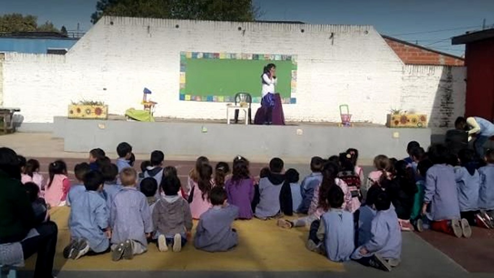 Según el juez la Ciudad debe permitir a los padres ejercer el derecho de la educación de sus hijos.