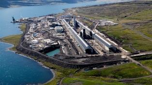 Una multinacional estadounidense de aluminio cierra dos plantas y despide a 700 empleados