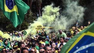 Manifestaciones en decenas de ciudades en rechazo al PT y apoyo a Bolsonaro