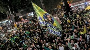 """""""No podíamos flirtear con el socialismo, el comunismo y el populismo"""", dijo Bolsonaro"""