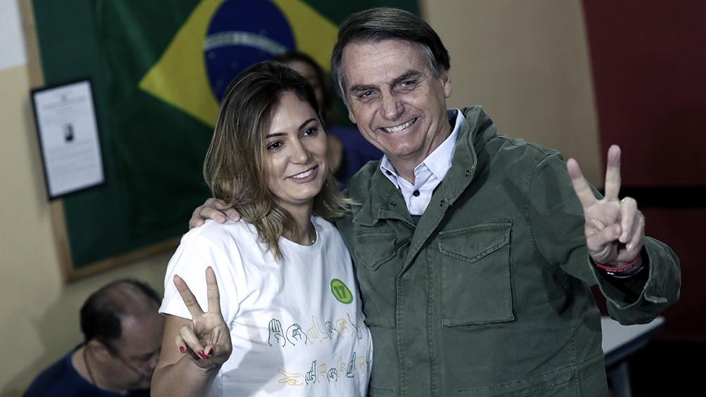 El presidente Bolsonaro reveló que su esposa se vacunó contra el coronavirus en Estados Unidos.