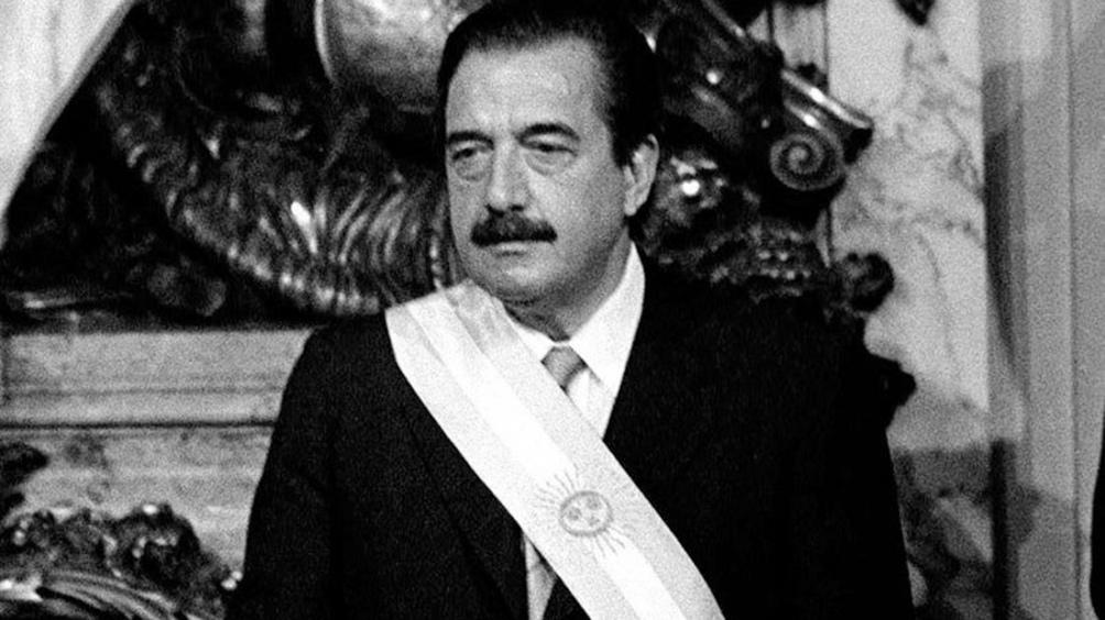 Alfonsín se impuso por el 51,75% de los votos el 30 de octubre de 1983.