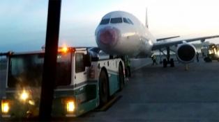 Tripulantes de cabina reclamaron soluciones en Latam y exigieron el pago de salarios y aguinaldo