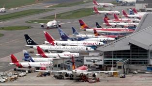 Las principales aerolíneas en Argentina cambian los pasajes ante el coronavirus