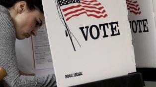 Un sistema electoral indirecto y descentralizado con voto optativo
