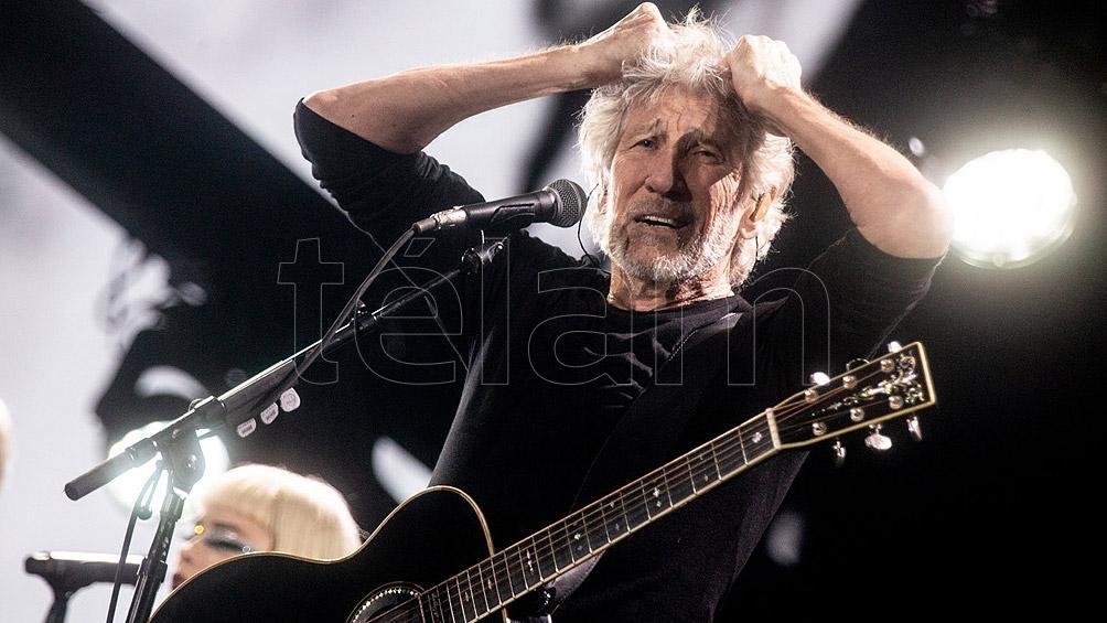 Roger Waters arremete contra su ex colega Gilmour