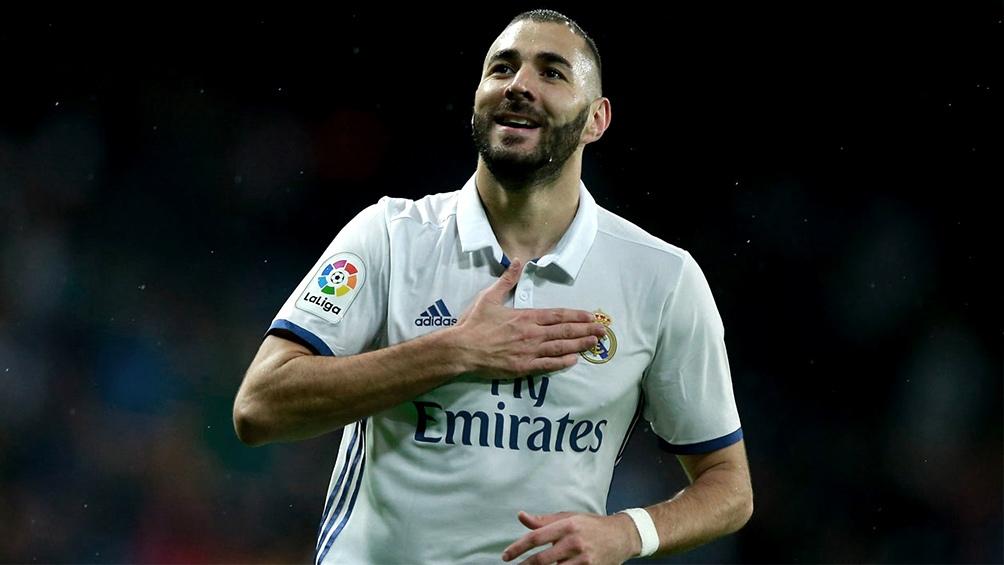 El delantero francés Karim Benzema marcó el primer tanto del Real Madrid, a los 12 minutos del primer tiempo.
