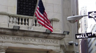 Fuerte pérdidas en Wall Street ante la falta de apoyo político para implementar estímulos