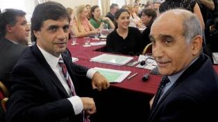 """Lacunza defendió el Presupuesto ante legisladores y dijo que """"baja el déficit con más obra pública"""""""