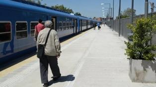 Por falta de luz, vecinos interrumpieron ramal del tren San Martín