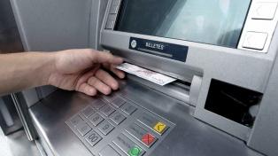 Bancos habilitan créditos y descubiertos en cuenta corriente al 24% para el pago de salarios