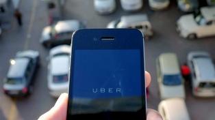 Uber abrió una convocatoria para sumar taxistas a su aplicación en el Área Metropolitana