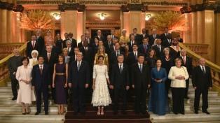 Trump, Putin, Xi, Merkel y Macrón juntos con Macri en el Colón