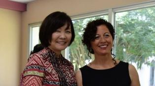 La primera dama del Japón entregó diplomas en San Isidro