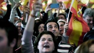 """El PP """"blanquea"""" el programa ultraderechista de Vox para gobernar en Andalucía"""