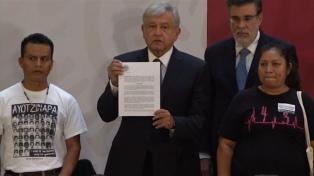 """López Obrador: """"Ayotzinapa es una espina clavada en el alma"""""""