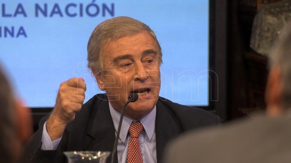 Oscar Aguad, ex ministro de Defensa, con responsablidad en el envío ilegal de material represivo para el golpe.