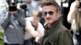 """Sean Penn no volverá al set de """"Gaslit"""" hasta que esté vacunado todo el equipo"""
