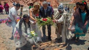 Gerardo Morales y Tulia Snopek se casaron en una ceremonia indígena en Purmamarca