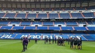 River pisó el césped del Bernabéu y espera por la final