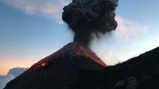 Nueva erupción en el volcán de Fuego