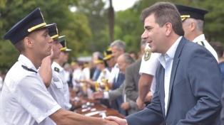 """Ritondo pidió a los nuevos policías """"ser justos y que respeten los derechos de los demás"""""""