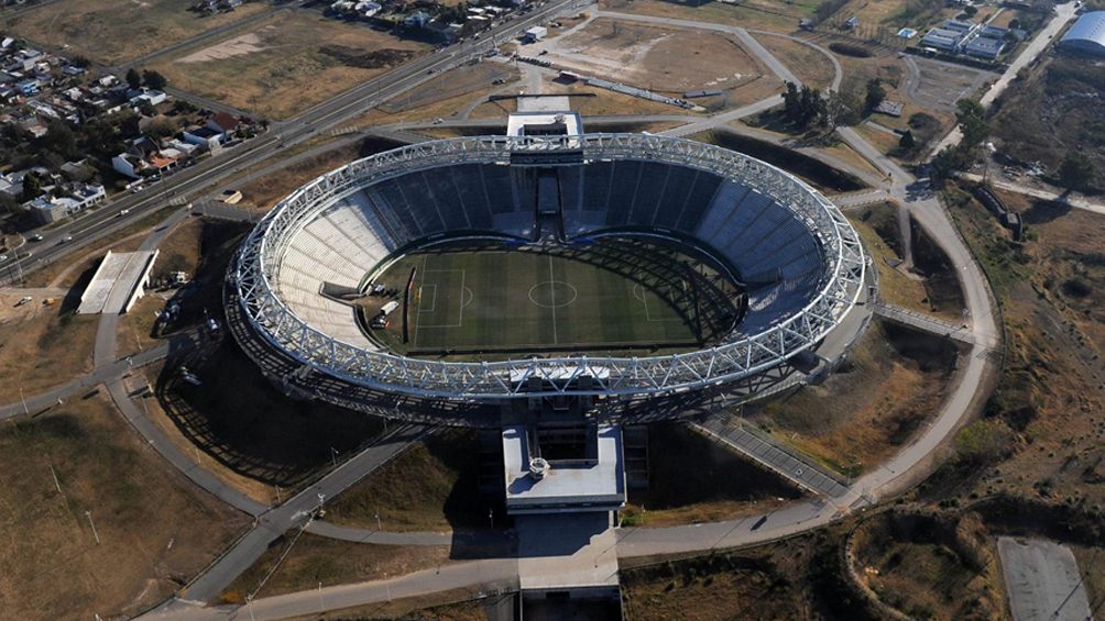 Conmebol inspecciona el estadio de Estudiantes y el Único como posibles sedes