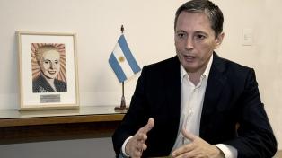 """Fernando Gray: """"No hay lugar para la tibieza"""" entre ser oficialista u opositor"""