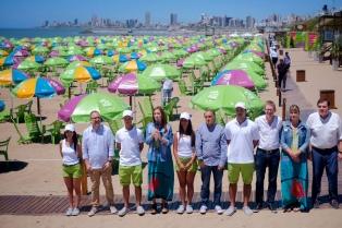 Vidal inauguró la segunda temporada de las playas gratuitas en la Costa Atlántica