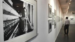 Una muestra del célebre fotógrafo Lewis Hine se expone en el Centro Cultural Borges