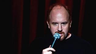 El comediante Louis CK se burló de un tiroteo en una escuela de EE.UU y generó una fuerte reacción