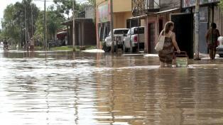 Más de 3.500 evacuados por inundaciones en el Litoral y norte argentino