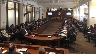 """La OEA resolvió """"no reconocer la legitimidad"""" del nuevo mandato de Maduro"""