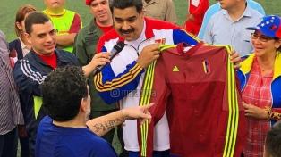 """Maradona apoyó a Maduro y dijo que """"quiere lo mejor para su país"""""""