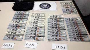 Encontraron un bolso con más de 30.000 dólares en el Aeropuerto