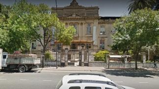 El edificio de Vélez Sarfield al 500, en el barrio porteño de Barracas.