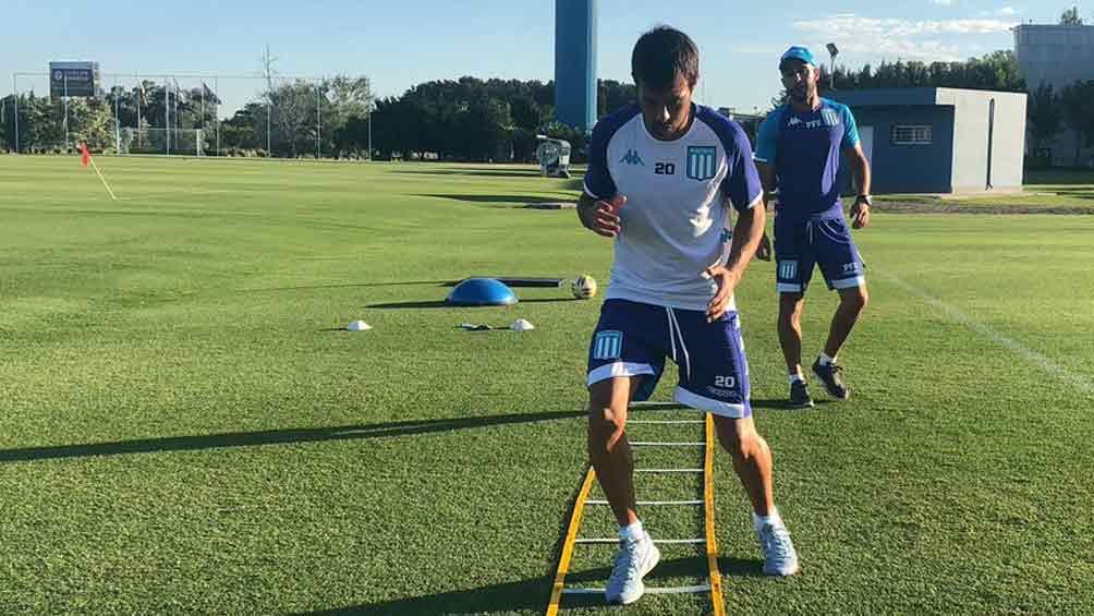Darío Cvitanich se retiró de la práctica por una dolencia en la pierna derecha