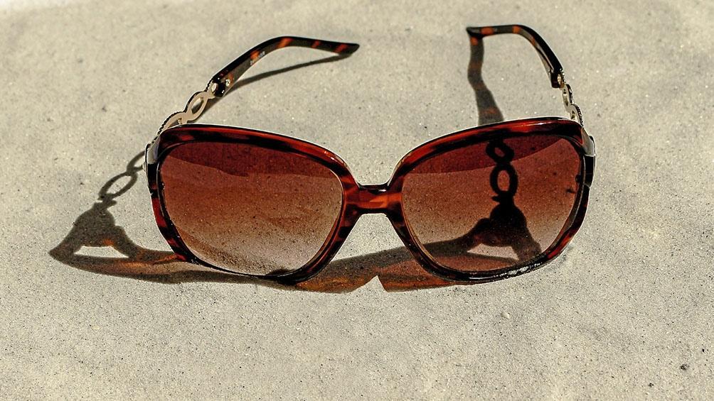 Un estudio reciente determinó que el 30 % de los anteojos de venta libre no cumplía con el filtro UV o el aumento especificado.