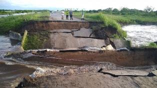Se hundió un tramo de las Ruta Provincial 1 por la presión del agua