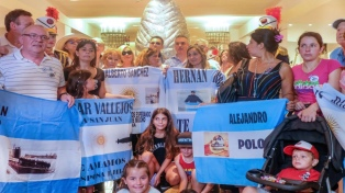 Pallarols presentó una escultura en honor a los héroes de Malvinas y del San Juan