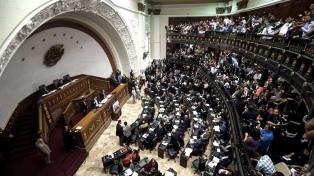 La Asamblea Nacional aprueba la ley que regirá una eventual transición en el país