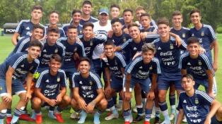 Riquelme visitó a los juveniles del Sub16