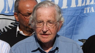 Chomsky: el mundo enfrenta una lucha entre la internacional progresista y la reaccionaria