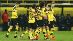 Borussia Dortmund goleó al Hannover y sigue cómodo en la punta