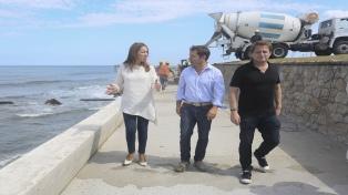 Vidal supervisó las obras de remodelación en el paseo costanero de Miramar