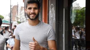 Alfaro sonríe: Lisandro López entrenó con normalidad