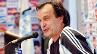 A 20 años del debut de Marcelo Bielsa y un legado entre fieles y detractores