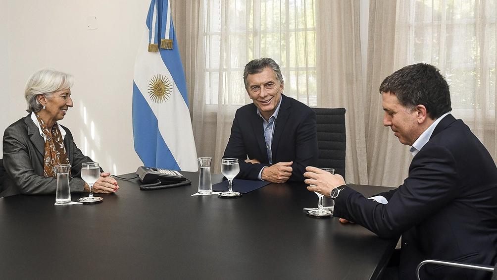 Se investiga la posible comisión de delitos en la toma de deuda con el FMI.