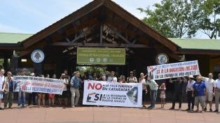Vecinos protestan contra la creación de una villa turística dentro del Parque Nacional Iguazú