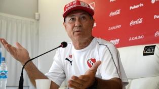 Ariel Holan fue despedido de Independiente